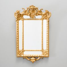 Espelho em madeira do sec.19th gilded a ouro, 84cm x 53cm, 3,600 USD / 3,170 EUROS / 12,900 REAIS / 23,170 CHINESE YUAN soulcariocantiques.tictail.com