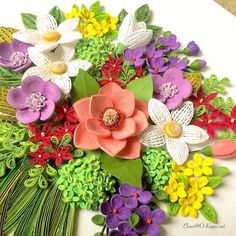 #quilling #quillingart #paperquilling #handmade #papercraft #quillingcard #floral #flowers