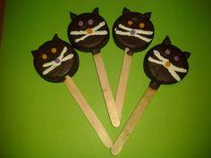 Chocolate dipped Oreo cats
