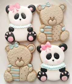 Infinitas possibilidades para um mesmo cortador 🐼🐨🐻 . Este ursinho panda faz parte do próximo módulo intermediário de 08/06. Fazendo o… Bear Cookies, Cookies For Kids, Iced Cookies, Cute Cookies, Cupcake Cookies, Christmas Sugar Cookies, Holiday Cookies, Gingerbread Cookies, Fondant Cake Toppers