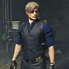 Photo shared by Leon Angel Kennedy👼🏼 on July 2019 tagging and A imagem pode conter: uma ou mais pessoas e pessoas em pé Leon S Kennedy, Resident Evil Anime, H Words, Jill Valentine, Game Character, Cosplay, Video Games, Writing Inspiration, Futuristic