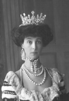 9th Duchess of Marlborough, Consuelo Vanderbilt, wearing the diamond tiara, by Boucheron, to the Coronation in 1911 of King George V.