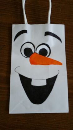 Olaf Frozen party gift bag -fayzie