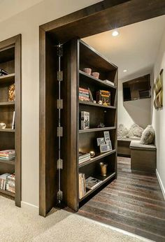 What a brilliant idea for bookshelf!  I love books!