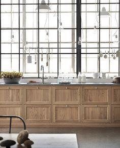 Kitchen Interior Design Stunning modern oak kitchens by Ballingslov Interior Design Kitchen, Modern Interior Design, Interior Design Inspiration, Interior Decorating, Design Ideas, Luxury Interior, Contemporary Interior, Loft Kitchen, Home Decor Kitchen