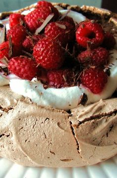 Low FODMAP Recipe and Gluten Free Recipe - Raspberry chocolate pavlova     http://www.ibs-health.com/low_fodmap_raspberry_chocolate_pavlova.html
