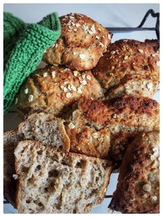 Food Crush, Salmon Burgers, Scones, Crackers, Food Videos, Bread Recipes, French Toast, Snacks, Baking