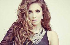 Te revelamos los secretos de belleza de Anahí, la cantante revela cómo mantiene su definida segura y toda su belleza. Conoce esta parte de Anahí.