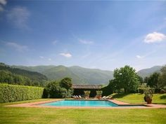 Have your destination wedding in the wine country of Tuscany! Lucca Villa Rental: Luxury Comfortable Villa With Air Conditioning | HomeAway Luxury Rentals