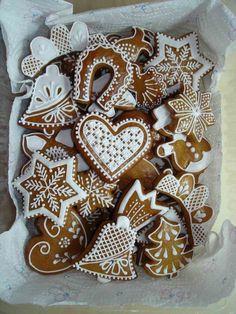 Gingerbread Decorations, Christmas Gingerbread, Noel Christmas, Christmas Treats, Gingerbread Cookies, Galletas Cookies, Iced Cookies, Holiday Cookies, Sugar Cookies