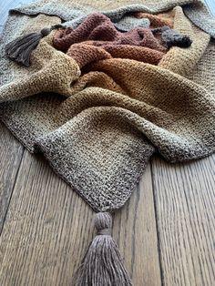 Moss Stitch, Shawl, Tassels, Triangle, Knitting, Crochet, Art, Fashion, Art Background