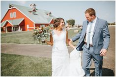 Bride and Groom first look. Chaska Wedding Venue. Minnesota Wedding Venue. Outdoor wedding venues in Minnesota. Rustic wedding venues in MN.   #mnweddingvenue #mnwedding  Photographer: Rachel Lynn Photography | Venue: The Outpost Center
