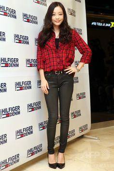 韓国・ソウル(Seoul)の現代百貨店(Hyundai Department Store)で行われた、「ヒルフィガー・デニム(Hilfiger Denim)」による2014年秋のイベントに臨む、ガールズグループ「KARA(カラ)」のハラ(Hara、2014年9月16日撮影)。(c)STARNEWS ▼25Sep2014AFP KARAのハラ、「ヒルフィガー・デニム」のイベントに出席 ソウル http://www.afpbb.com/articles/-/3026826 #카라 #KARA คารา #구하라 #具荷拉 #Gu_Hara #Goo_Hara คู ฮา-รา #ク_ハラ