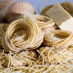 Italian pasta is very popular. People around the world enjoy this exquisite cuisine but from where does pasta originate and how is pasta made. Cooking Classes, Cooking Tips, Cooking Games, Cooking Pork, Cooking Turkey, Cooking Recipes, Cooking Burgers, Cooking Dishes, Cooking Pumpkin