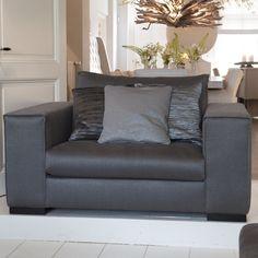 Stijlvol interieur - grijze fauteuil