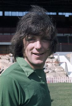 Manchester United goalkeeper John Connaughton at Old Trafford Manchester in August 1971 School Football, Sport Football, Football Players, Soccer, Old Trafford, Sharon Jones, Bristol Rovers, Manchester United Players, Sheffield United