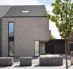 Metal Building Homes, Brick Building, Metal Homes, Building A House, House Cladding, Facade House, Villa Design, House Design, Brick Projects