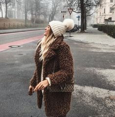 """d0234430371f4c SOPHIE PIRRUNG 🦋 on Instagram  """"Ready for winter ❄ 🐻  winter  toocold   teddycoat"""""""