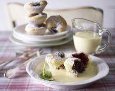 Unser beliebtes Rezept für Brombeer-Quark-Mini-Muffins mit warmer Vanillesoße und mehr als 55.000 weitere kostenlose Rezepte auf LECKER.de.