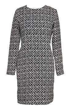 5 Dress Trends, 30 Flawless Work-Ready Styles #refinery29  http://www.refinery29.com/work-shift-dresses#slide23