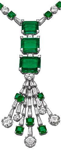 Elizabeth Taylor, Bulgari emerald and diamonds necklace.....Uploaded By www.1stand2ndtimearound.etsy.com