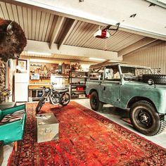 Are you someone that has a messing garage that is not organized. Right here are 42 garage storage ideas that will aid you organize your garage like a champ. Garage Design, House Design, Ultimate Man Cave, Cool Garages, Solar Panel Cost, Man Cave Home Bar, Man Cave Garage, Motorcycle Garage, Garage Workshop