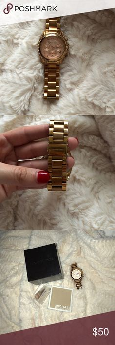 Michael Kors Rose Gold Watch In fair condition. There is a slight chip on the side. The battery does need to be replaced. But the original packaging is included, along with the links. Michael Kors Jewelry