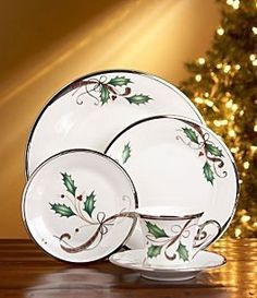 LENOX HOLIDAY NOUVEAU PLATINUM WHITE CHRISTMAS DINNERWARE BONE CHINA 44 PCS