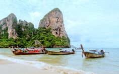 Railay beach is the best place to chill out while in krabi, thailand Railay Beach Krabi, Phi Phi Island, Top Places To Travel, Cool Places To Visit, Chiang Mai, Bangkok, Fritz, Buddhist Temple, Thailand Travel