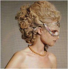 Marie Antoinette hair