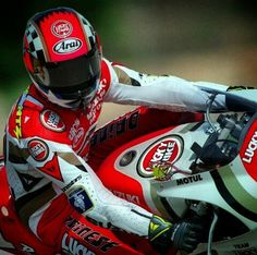 Kevin Schwantz #34 Grand Prix, 500cc Motorcycles, Arai Helmets, Men Are Men, Manet, Super Bikes, Bike Life, Motogp, Cool Bikes