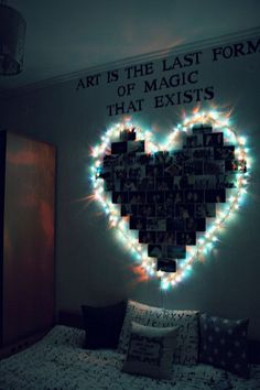 Dorm Room Inspiration - Whether, if you're living in a dorm you've probably come across the challenge of decorating the tiny, character-free space. Cute Room Ideas, Cute Room Decor, Teen Room Decor, Room Decor Diy For Teens, Diy Room Decor Tumblr, Wall Decor, Diy Wall, Teen Bed Room Ideas, Room Decor With Lights