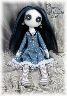 cute creepy dolls - Buscar con Google