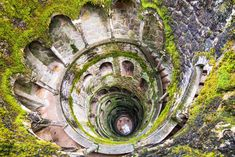 Escapadas a un paso de Lisboa: queremos MÁS Portugal - A Quinta da Regaleira, Sintra Sintra Portugal, Places In Portugal, Visit Portugal, Portugal Vacation, Portugal Travel, Portugal Trip, Europe Day, European Destination, World Heritage Sites