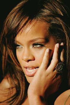 Rihanna ∞