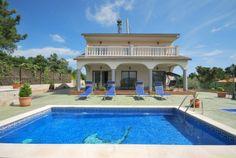 Schönes Ferienvilla in der nähe von Lloret de Mar mit privatem Pool, schöne Terassen und Parkplätz