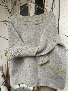 Ravelry: Gukinerus Psssttt … ** Test ** – Strickmuster – Awesome Knitting Ideas and Newest Knitting Models Ravelry, Sweater Knitting Patterns, Knit Patterns, Raglan Pullover, Drops Design, Knitting Projects, Sewing Projects, Sweater Weather, Knitwear