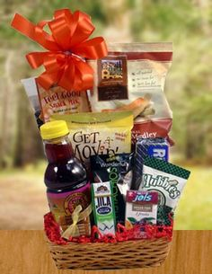 33 DIY Gift Basket Ideas For Men Women Baby On A Budget Food Non