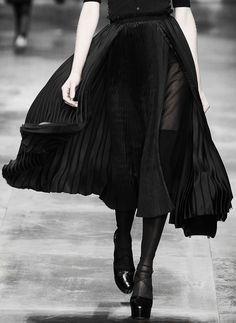 Antonio Marras Dark Fashion, Gothic Fashion, High Fashion, Layered Fashion, Looks Dark, Fashion Details, Fashion Design, Style Fashion, Runway Fashion