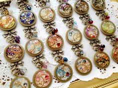 Jewelry and the Darkside: Fashionable Gothic Jewelry - Jewelry Daze Fantasy Jewelry, Gothic Jewelry, Luxury Jewelry, Vintage Jewelry, Resin Jewelry, Diy Jewelry, Jewelry Making, Jewellery, Jewelry Box