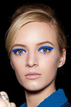 The catwalk reveals the makeup trends of next fall - Makeup Inspiration - Makeup Trends, Makeup Inspo, Makeup Tips, Hair Trends, Makeup Ideas, Eye Makeup Art, Fall Makeup, Make Up Inspiration, Nails Inspiration