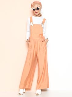 modest street style #hijabstyle #hijabfashion #womensfashion #style #elegant #modestfashion #streetfashion