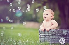Vintage Bubble Bath for 1 year birthday Birthday Photography, Newborn Baby Photography, Children Photography, Family Photography, Photography Ideas, Newborn Pictures, Baby Pictures, Cute Pictures, Book Bebe