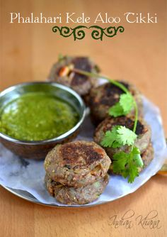 Phalahari Kaccha Kela Aloo Tikki is easy, flavorful cutlet made with plantain, potato and spices suitable for fasting (vrat/upwas) snack. Navratri Recipes, Jain Recipes, Indian Veg Recipes, Indian Snacks, Healthy Diet Recipes, Vegetarian Recipes, Cooking Recipes, Farali Recipes, Potato Cutlets