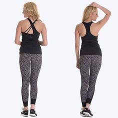 İki siyah spor atlet, 2 farklı sırt tasarımı Stilinize en uygun seçenekleri Stilefit.com'da keşfedin!