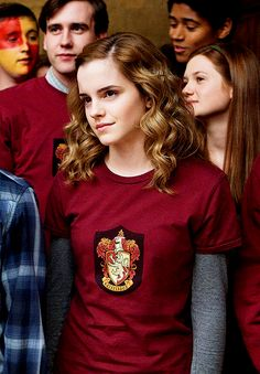 Emma Watson as Hermione Granger Humour Harry Potter, Mundo Harry Potter, Harry Potter Tumblr, Harry Potter Characters, Harry Potter World, Famous Book Characters, Harry And Hermione, Hermione Granger Costume, Hermione Hair