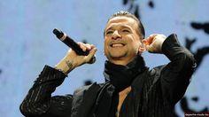 Dave Gahan of Depeche Mode smiling in Munich 2013