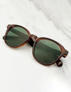 4c50e665a65 Luca  Flat Lens  Mens and Womens  Sunglasses Stylish Sunglasses