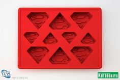 "Superman Ice Cube Tray      Ice tray makes ice shaped like Superman's logo      Makes 10 ice cubes      Material: Silicone      Size: 4-1/2"" x 6"" x 1"" (11.5 cm x 15 cm x 2.5 cm)"