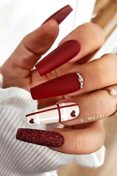 Dark Red Nails, Red Acrylic Nails, Burgundy Nails, Gel Nails, Red Matte Nails, Coffin Nails Matte, Color Nails, Manicure, Trendy Nail Art